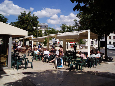 Cognac - a pavement cafe